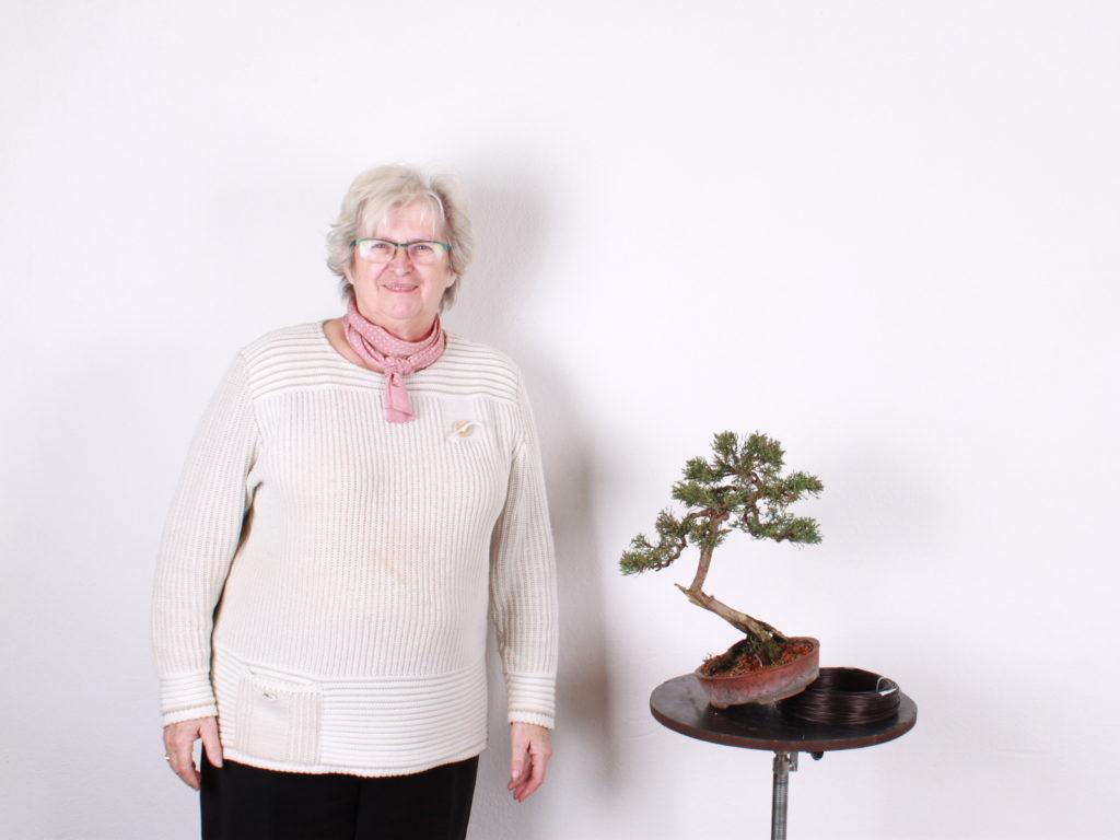 Vierka Hojstričová a jej bonsaj